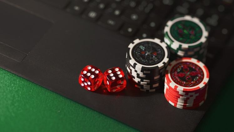 Benefits of an Online Gambling & Betting Site | Densipaper